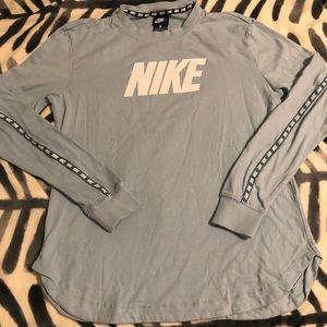 NEW ✨ NIKE • Long-Sleeve Athletic T-Shirt • NWT